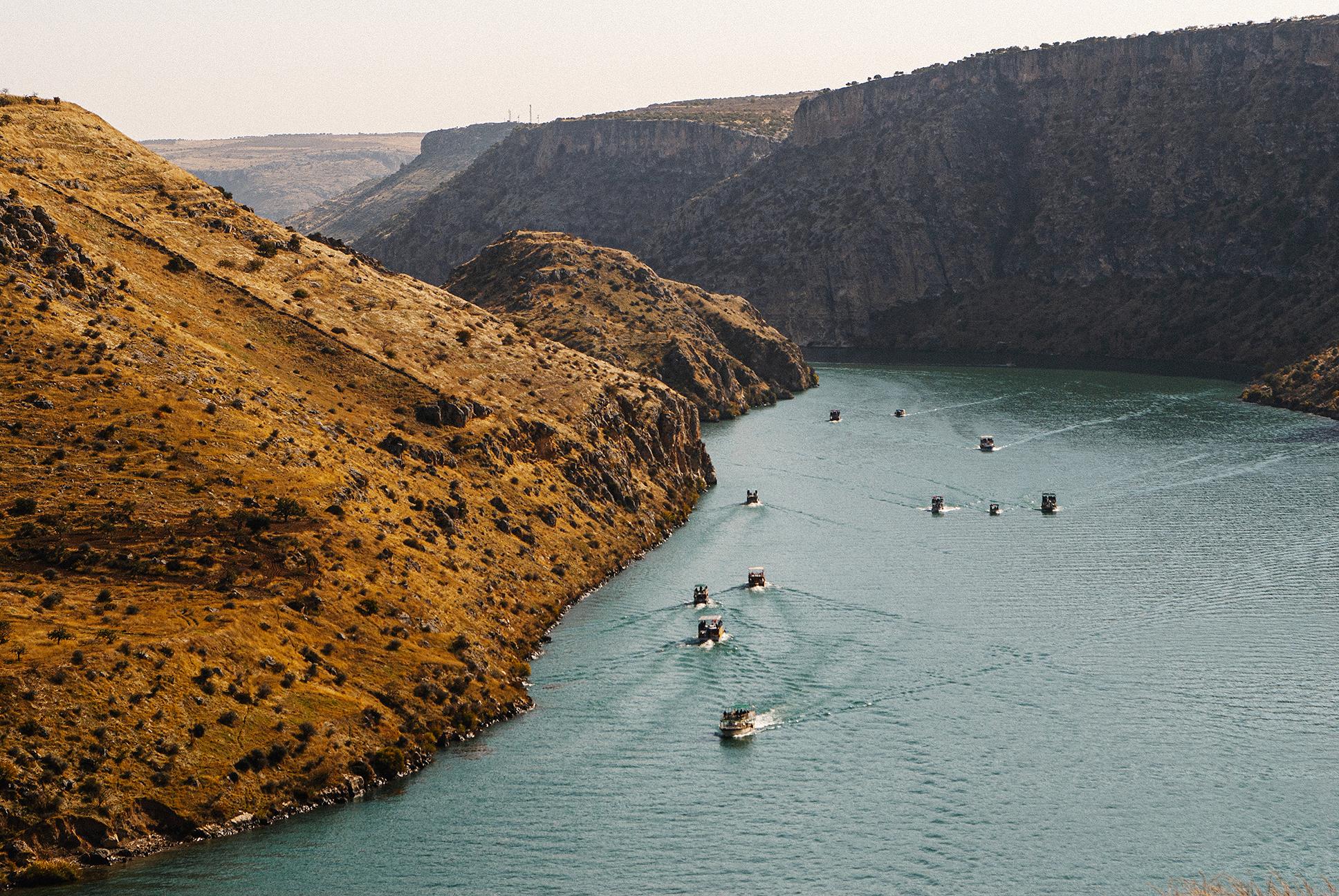 Halfeti'de tekne turu trafiği