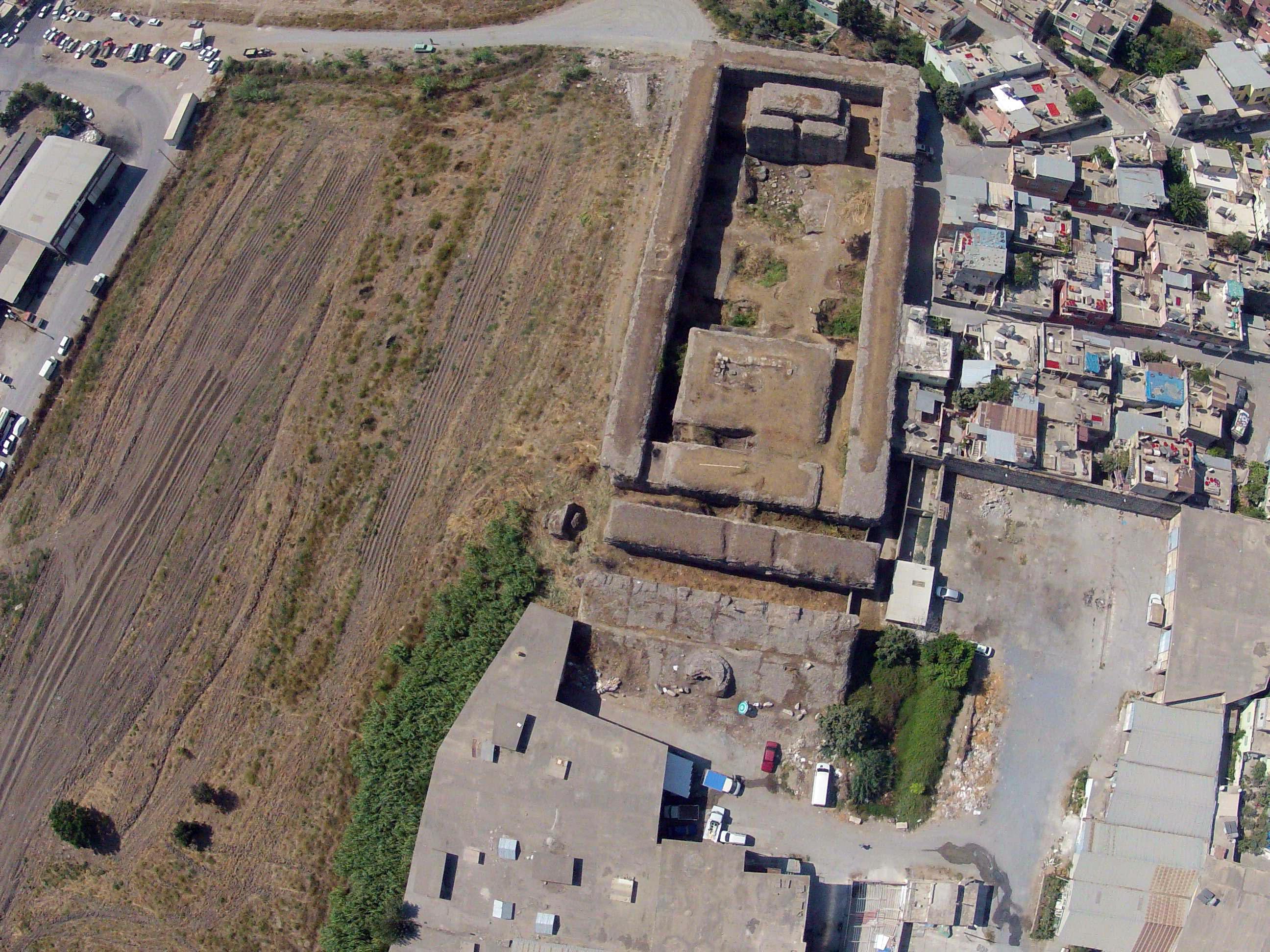 Tarsos, Hadrianus Tapınağı (Donuktaş) (Fotoğraf: Doç. Dr. Deniz Kaplan – Prof. Dr. Winfried Held)