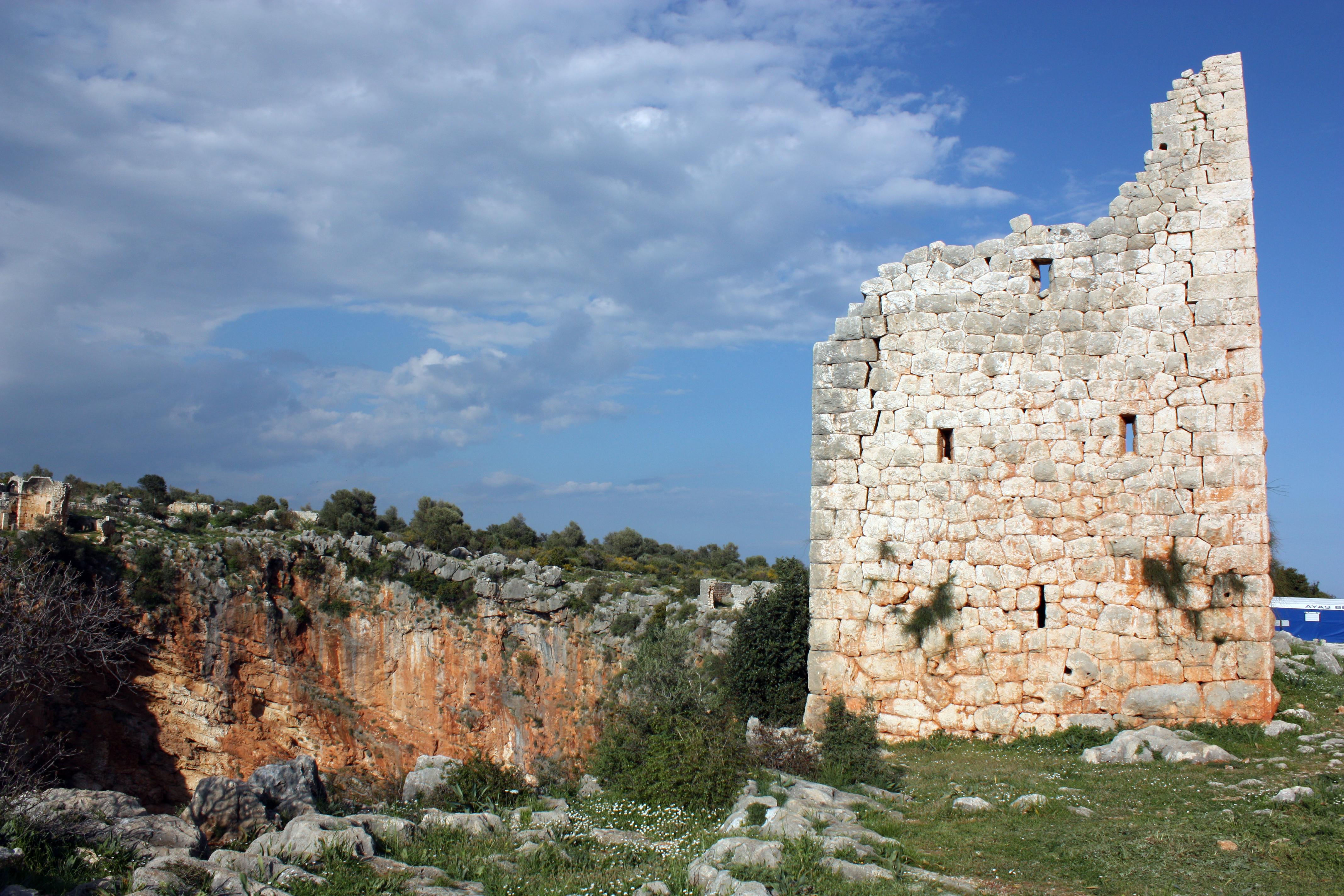 Kanytelleis Hellenistik Kule (Fotoğraf: Prof. Dr. Serra Durugönül)
