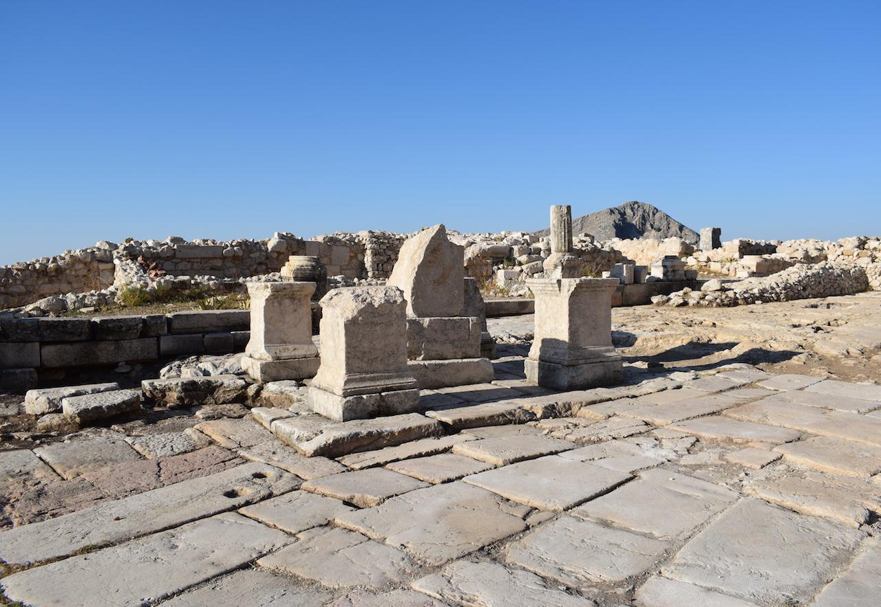 Geç Antik dönemde değiştirilmiş, Tychaion'a ait in situ kalıntılar.