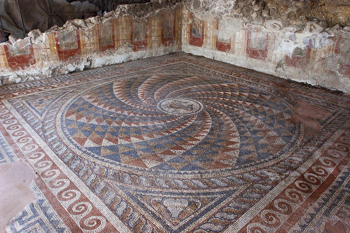 Antandros Roma Villası Kışlık Triclinium (Fotoğraf; Firdevs Sayılan)