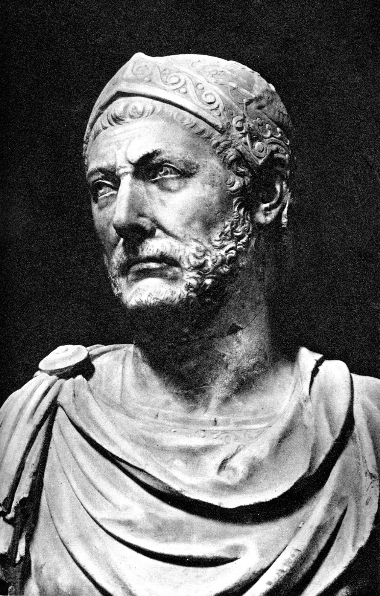Hannibal olduğu söylenen mermer büst, İtalya'nın antik Capua kentinde bulunmuştur